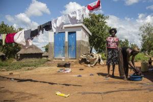 Pakolaisavun hyödynsaaja ja ilmastonmuutoksen vaikutukset kokenut Alia Rose Adjumanin pakolaisasutusalueella Ugandassa